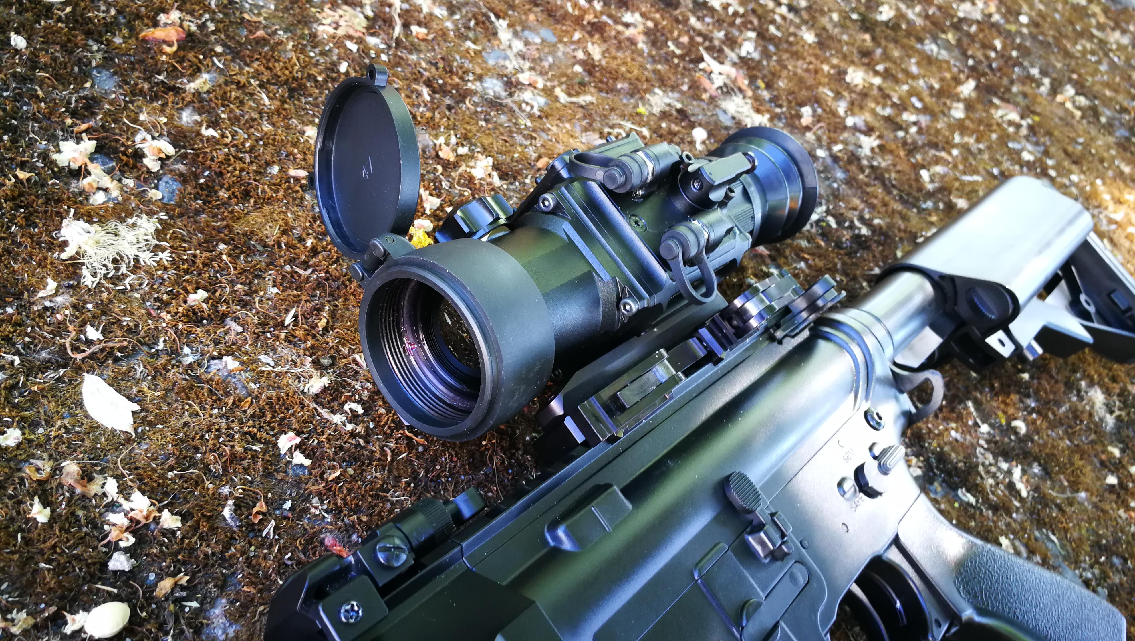 фотография тепловизионного охотничьего прицела LEGAT-3F40 Gen2 Lite